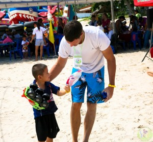 14.Volunteers with kids (3)