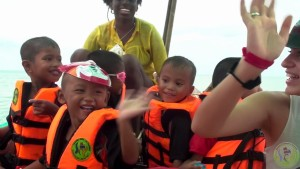 9. Banana Boat Sofa Ride Paddle boards Speed boat & long tail (16)