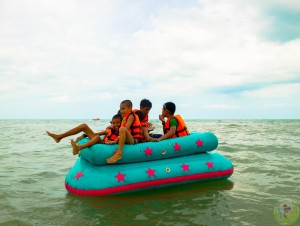 9. Banana Boat Sofa Ride Paddle boards Speed boat & long tail (6)