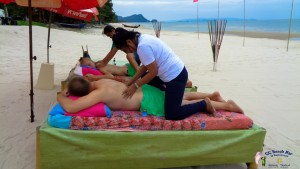 Massage on the beach (3)